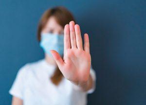 Чому людина програє у війні з вірусами